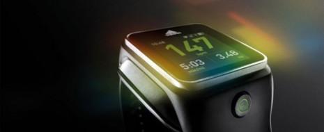 Varias marcas se han empezado a subir al tren de los smartwatches: Samsung, Sony, Nissan e incluso, ya hay rumores de que Google también estaría planeando entrar próximamente. De la...