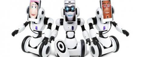 El robot interactivo que covertirá en un robot a tu smartphone